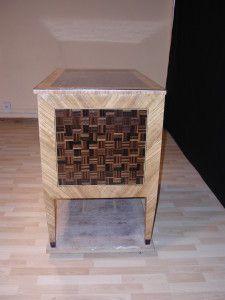diseño moderno de mueble con marqueteria