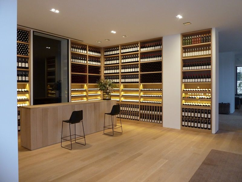 Mueble vinoteca realizado en roble