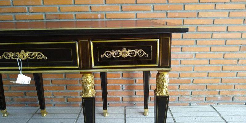 mesa de despacho antigua