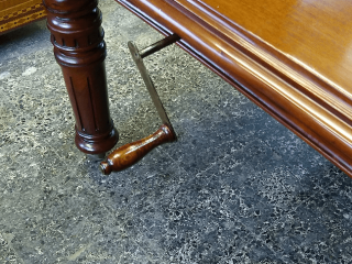 Restauración Mesa Comedor estilo victoriano extensible
