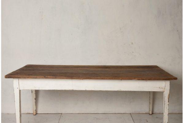 Mesa de trabajo en pino viejo