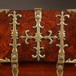 Restauración de Una caja fuerte en madera de palo violeta