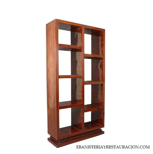 estanteria en madera de nogal americano